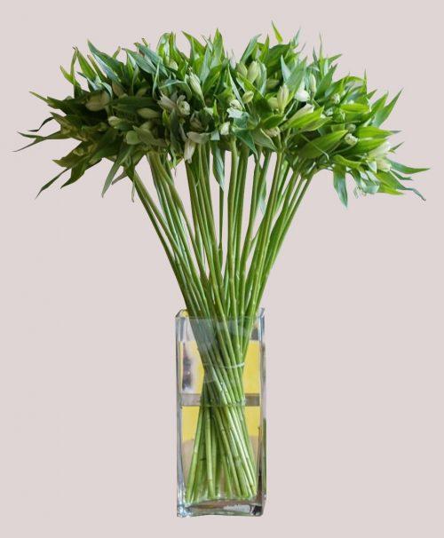 Buchet flori cu vaza sticla